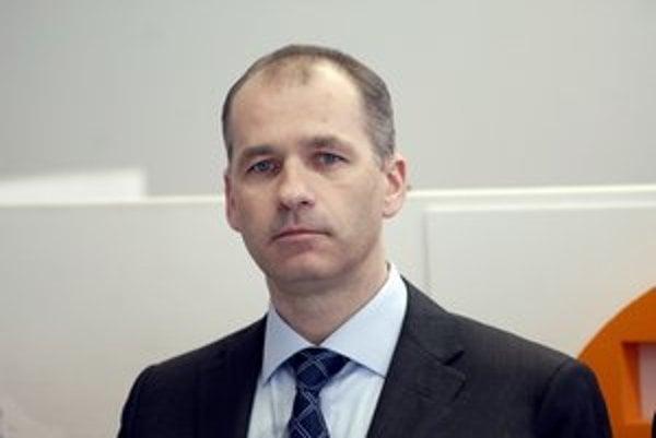 Miroslav Nosál Tepláreň priviedol k čistému zisku 766 507 €, odmenu mu zo 40 000 € skresali na polovicu.