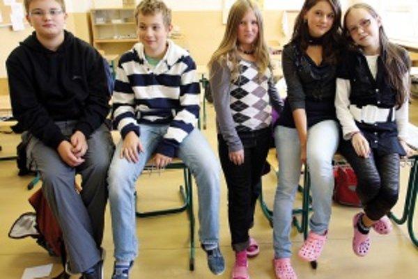 Zľava: Viktor (11), Jakub (13), Romana (11), Zuzana (12), Radka (11)