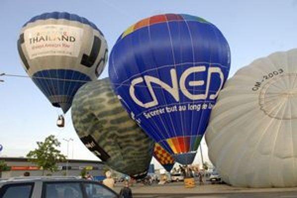 Letelo sa len dvakrát. Nebo plné pestrofarebných balónov zažili Košičania len v stredu a v sobotu.