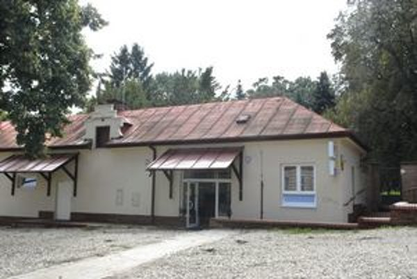 Pošta číslo 17. V roku 2009 bola  v tejto budove. Podľa obžaloby ju na prepad vybral Lukáš M.