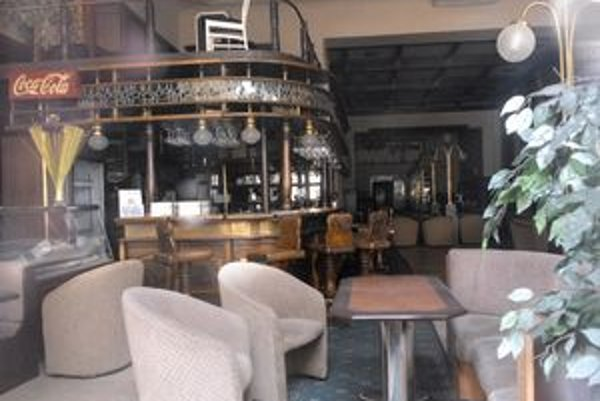 Všetko zostalo tak, ako po dopití šálky kávy. Slávia zostane kaviarňou aj po rekonštrukcii.