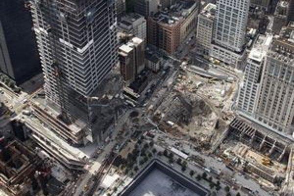 Veža WTC 1 sa blíži k výške 200 metrov.