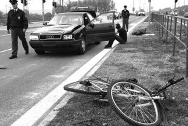 Nehoda z roku 2006. Cesta Poliaka do Rumunska sa skončila v Košiciach. Potom sa sem vracal na súd.