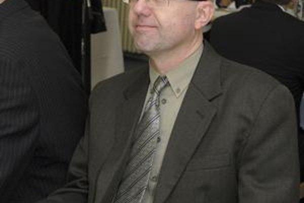 Norbert Borovský (KDH). S obsadením rady a komisií je nespokojný.