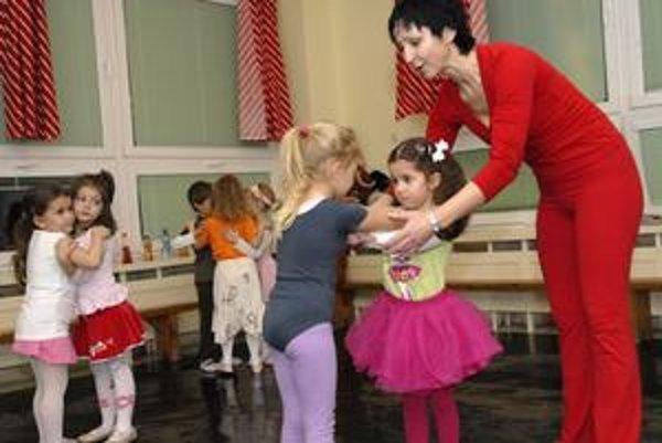 Učiteľka tanca Beáta Gogová.