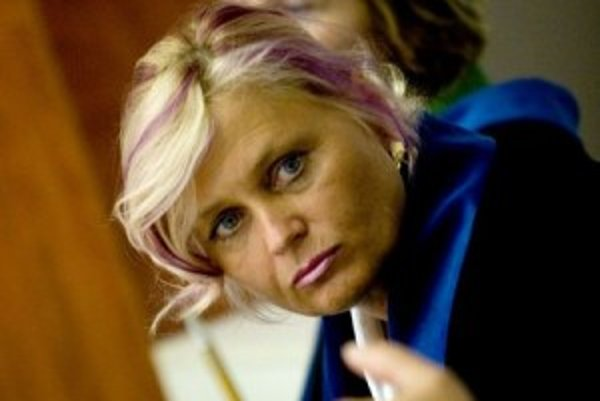 K. Dušáková. Údajná Okoličányho pravá ruka je stále za mrežami, jeho advokátka už nie.