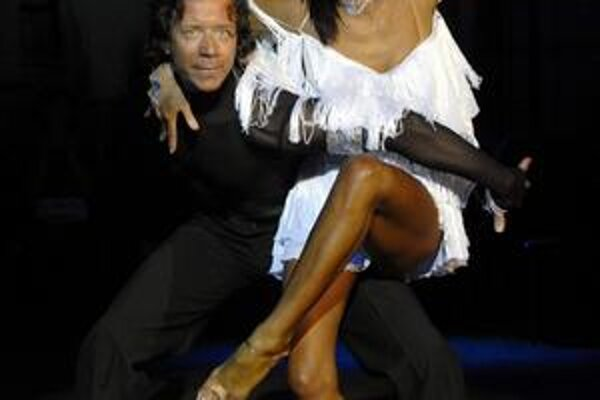 Tanečné majstrovstvo. Okrem najlepších slovenských talentov ho predvedie i Milan Plačko. Na snímke s manželkou.