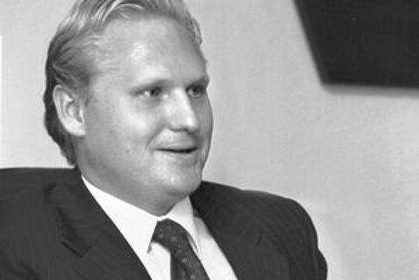 Ľubomír Solár. V časoch, keď bol vo VSŽ viceprezidentom aj členom predstavenstva. Súd sa ho bude pýtať na fiktívnu rekonštrukciu budovy za 125 miliónov, ktoré zaplatili železiarne.