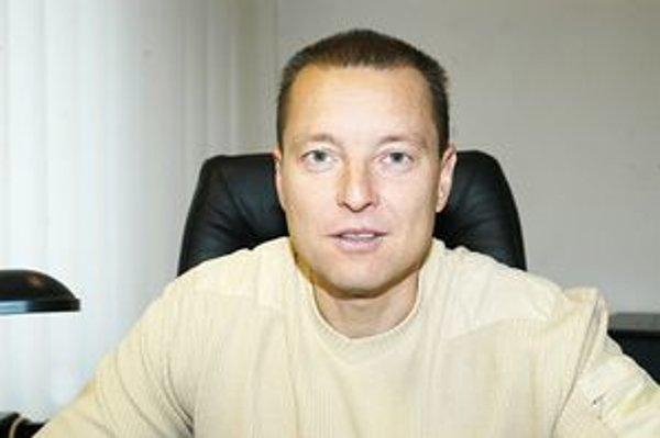Šéf strediska sociálnej pomoci Tibor Klema patrí k ohrozenej osmičke.