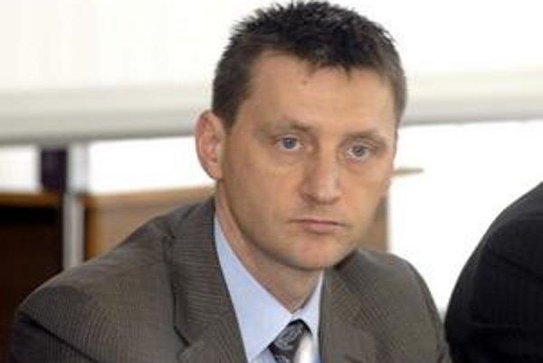 Peter Hajduček. Stal sa novým šéfom právneho. V Teplárni pracoval s Lazárom a Kochom.