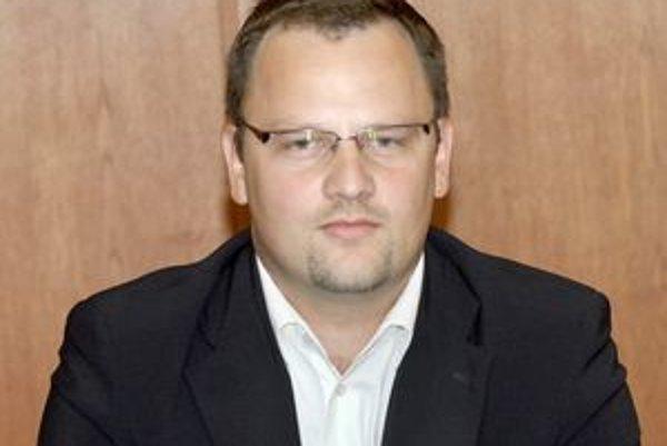 Príde o stoličku v SDKÚ? Krajský šéf Marek Vargovčák bude musieť vysvetľovať Podhorského a jeho počínanie.
