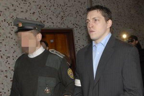 Ladislav Ščurko. Podľa neho policajti o jeho priznaní nehovoria pravdu.