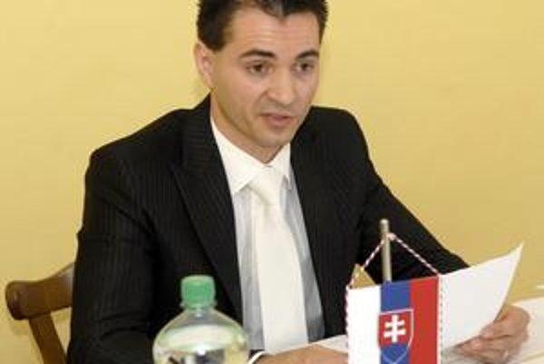 Jozef Karabin (nez.). Perešský starosta priznal, že medzi samosprávou a elektrárňami zlyhala komunikácia.