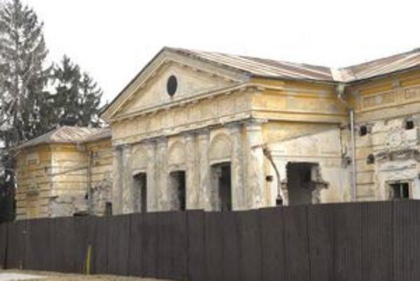 Kaštieľ v Krásnej. Po rekonštrukcii má slúžiť na spoločenské podujatia a výstavy umeleckých diel.