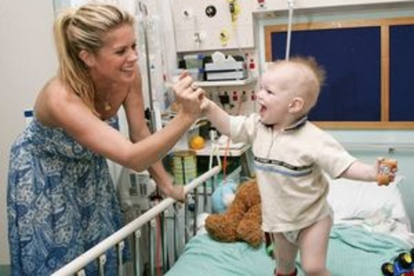 Pobyt v nemocnici zvláda detský pacient lepšie v prítomnosti rodiča.
