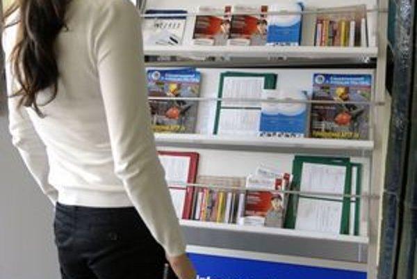 Voľných miest je stále málo. Ľudí bez práce v Košiciach v marci mierne pribudlo.