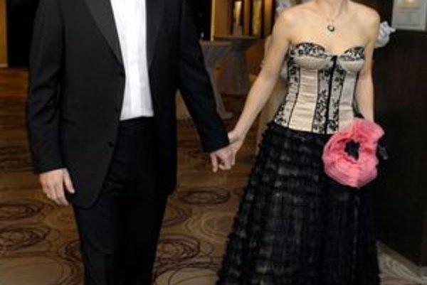 Manželia Lazárovci. Jana je známa výborným vkusom, viceprimátor si nechá poradiť.