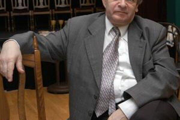Riaditeľ Thálie Peter Kolár. V Maďarsku získal ocenenie za celoživotnú činnosť.