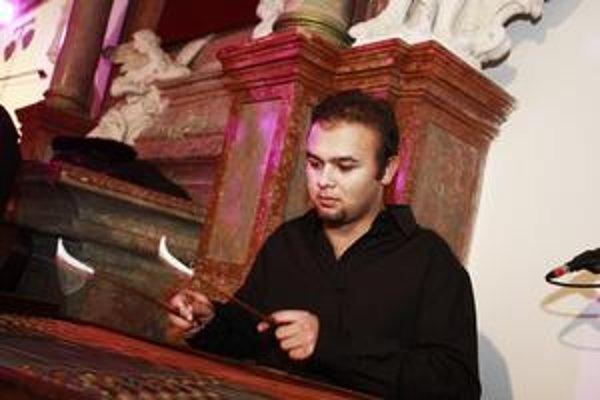 Jánovým najobľúbenejším nástrojom je cimbal