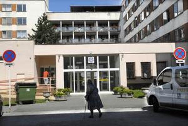 V stredisku, ktorého zriaďovateľom je mesto, sa o 183 klientov stará 75 zamestnancov.