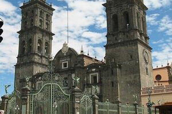 Pohľad na najstaršiu katedrálu v Latinskej Amerike.