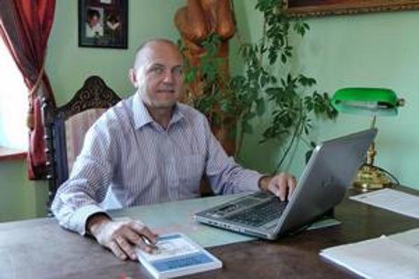 Ján Zbojek. Jeho kniha má názov Tajomstvo úspechu a podnadpis - algoritmus úspechu.