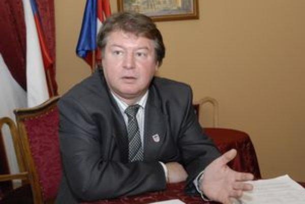 Ľubomír Grega končí v SDKÚ po prehratých starostovských primárkach.