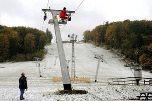 V minulom roku sa prvý sneh na zjazdovke na Jahodnej objavil už v polovici októbra.