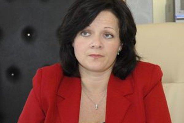 Beáta Horváthová. Podľa riaditeľky nadbytočných zamestnancov vyberali tak, aby úrad pracoval efektívnejšie.