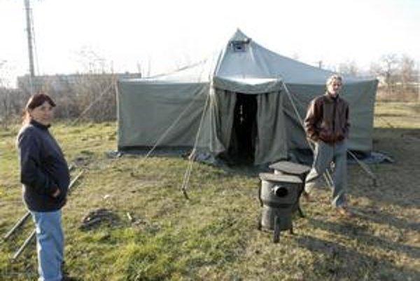 Stan pre bezdomovcov má kapacitu 32 miest, bude vyhrievaný pieckami.