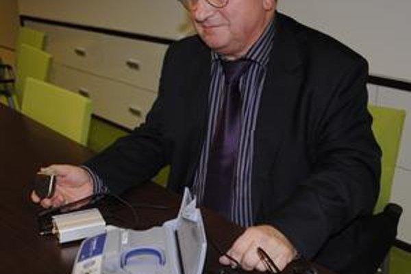 Jozef Čisárik vďačí za svoj život modernej technike.
