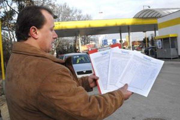 Aj v Košiciach pribúdali podpisy pod petíciu dopravcov.