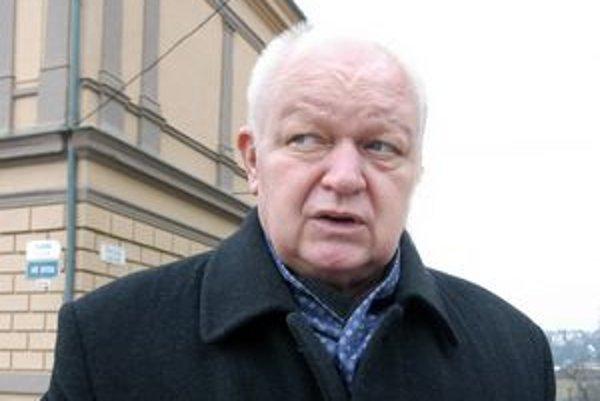 Peniaze máme. István Zachariaš tvrdí, že napriek kríze budú mať v rozpočte viac.