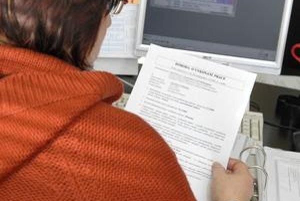 Zmluva alebo dohoda. Zamestnávateľ je povinný uzavrieť so zamestnancom pracovnoprávny vzťah.