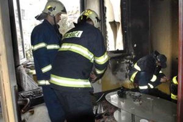 Zhorela celá izba. Dôchodkyňa odhadla škodu na 2-tisíc eur, bola našťastie poistená.