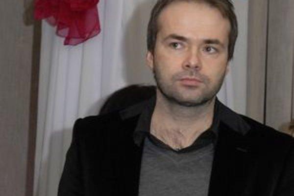 Július Rezeš ostal zaskočený informáciou, že jeho spoločníčka skončila vo väzbe.