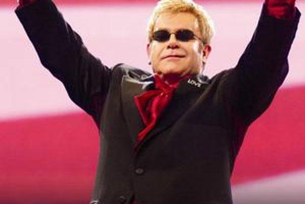 Elton John vystúpi v Steel Aréne