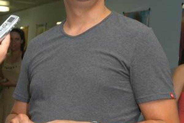 Partička je projekt herca Dana Dangla.