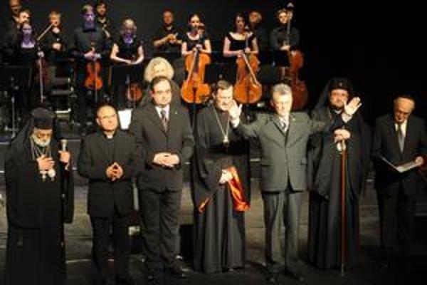 Ekumenický koncert. Bol na ňom aj patriarcha (na snímke vľavo) Gregor III.