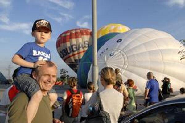 Balónová fiesta. Už sedemnástky rok púta záujem veľkých aj malých Košičanov.