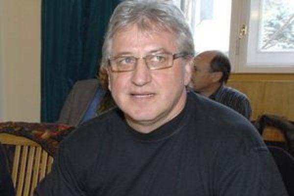 Vinco Lukáč, bývalý hokejista, vďaka preferenčným hlasom zasadne v NR SR.