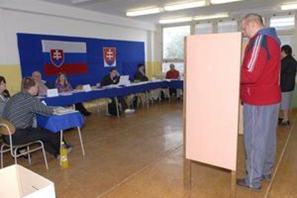 Ignorácia východniarov. V Košickom kraji sa v sobotu na europarlament vykašľalo najviac voličov.