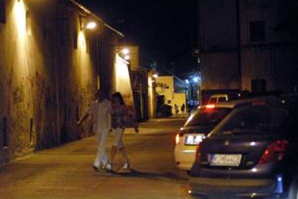 Hradbová ulica spĺňa všetky podmienky na ideálny lúpežný prepad.