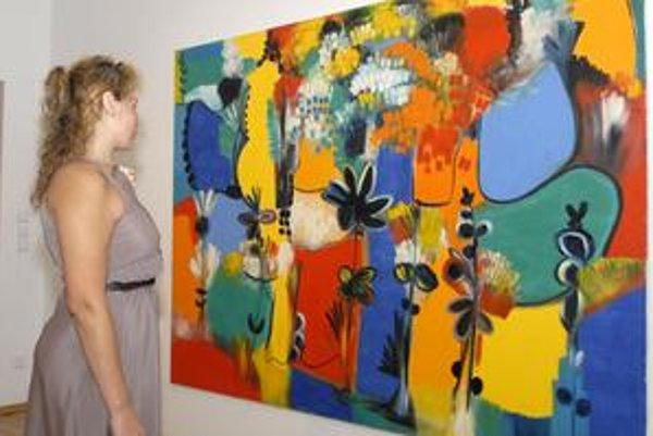 Dôraz na farebnosť. Môžete ho pozorovať v dielach Waltera Liggesmeyera z Nemecka, ktorý vystavuje vo Východoslovenskej galérii.