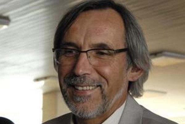 Hlavný architekt Martin Drahovský. Poslanci mu vyslovili nedôveru.