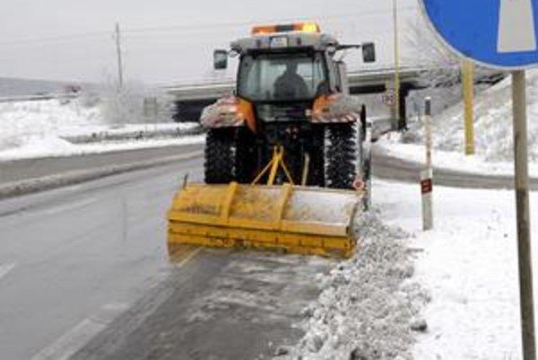 Začala sa zimná údržba. Cestári v kraji by na ňu mali byť pripravení, minú asi 2 milióny eur.