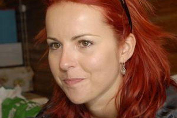 Katka Knechtová príde predstaviť nové sólové skladby aj košickému publiku.