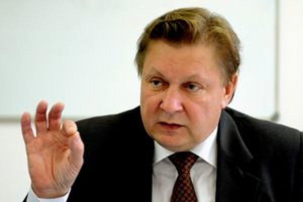 Župan Zdenko Trebuľa obhajoval čerpanie úveru.
