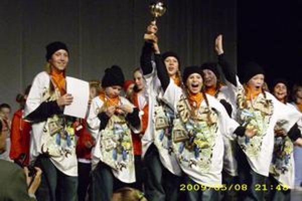 Obrovská radosť. Hip-hopová formácia Seven, ktorú trénuje košický klub, získala prvé miesto v hip-hop kategórii skupina detí.