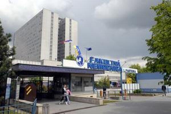 Fakultná nemocnica. Aj jej pacientov niekedy trápia zlodeji.
